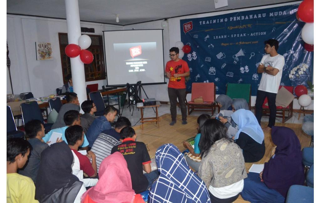Dokumentasi Kegiatan Hari Pertama Training Pembaharu Muda