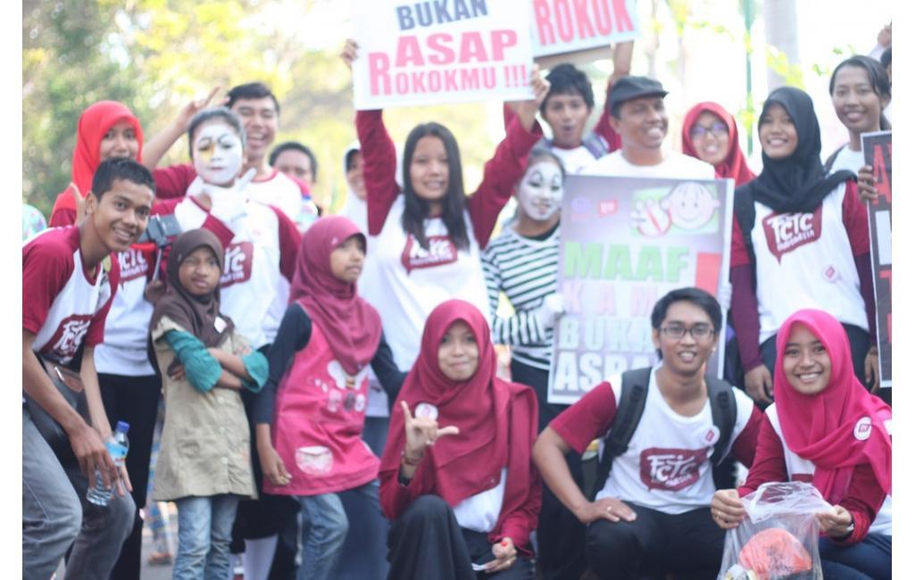 Aksi Gerakan Muda FCTC Mataram
